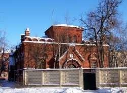 Московский Благовещенский храм в Сокольниках, 11 февраля 2007. Фотография с сайта sobory.ru