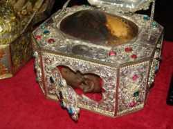 Реликварий с честной главой свт. Иоанна Златоуста. Афонский Ватопедский монастырь
