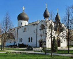 Покровский храм Марфо-Мариинской обители милосердия в Москве