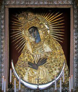 Остробрамская икона Божией Матери (XVI - нач. XVII в.; в окладе). Вильнюс, Острые врата